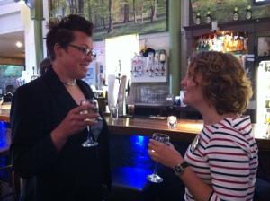 Mingel med finska kollegan Ulrika Björkman vid första kvällens BBQ
